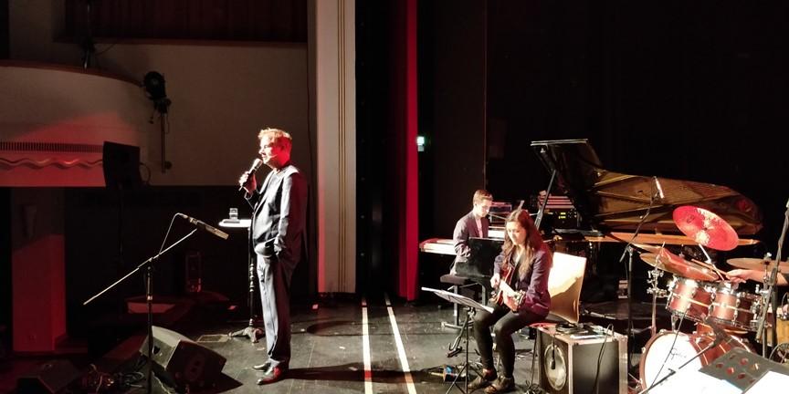 Lachen & Swingen mit Phoenix und Lars Reichow