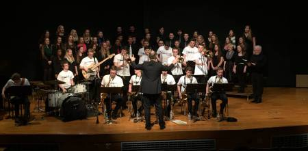 Phoenix Foundation mit Christopher Dock Mennonite High School Choire, Lansdale, PA